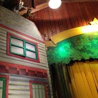 1/19/2013 tarihinde Gerald L.ziyaretçi tarafından Swedish Cottage Marionette Theatre'de çekilen fotoğraf