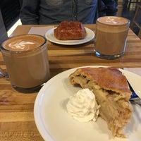 3/16/2017 tarihinde Itzel P.ziyaretçi tarafından Rue La Rue Café'de çekilen fotoğraf