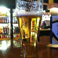 Photo taken at Buffalo Wild Wings by Harry S. on 11/27/2012