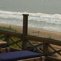 Foto tirada no(a) Deck Da Praia por Giselle R. em 12/15/2013