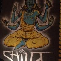 Foto tirada no(a) Shiva Bar por Ludmilla L. em 9/4/2016