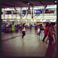 Photo taken at Cinta Equipaje 6 / Baggage Belt 6 by Carlos A. on 2/6/2013