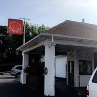 Photo taken at Carol Lee Donuts by Meghan K. on 8/25/2017