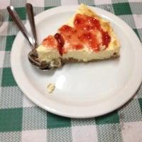 Foto tomada en Pizzeria Italia por Jose R. el 8/7/2014