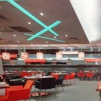 Снимок сделан в RBG Bar & Grill ресторан пользователем Nadezhda C. 3/26/2013