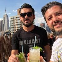 Foto diambil di Broken Shaker oleh Ahmet C. pada 6/8/2018