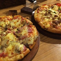 Photo taken at The Pizza Company by มุก on 3/6/2017