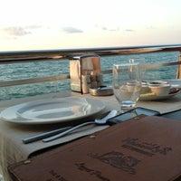 7/20/2013 tarihinde Nilgün T.ziyaretçi tarafından Kamelya Restaurant'de çekilen fotoğraf