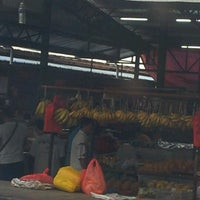 Foto tirada no(a) Pasar Kenanga por Simon's P. em 11/9/2012