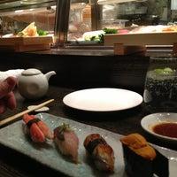 Foto scattata a Nobu Restaurant Caesars Palace da Ray H. il 2/25/2013