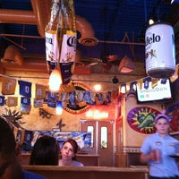 Foto tomada en La Parrilla Mexican Restaurant por Tiffany T. el 4/8/2013