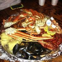 Foto tirada no(a) The Crab Shack por Regine D. em 2/22/2013