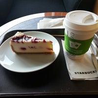 7/14/2013 tarihinde Orcun F.ziyaretçi tarafından Starbucks'de çekilen fotoğraf