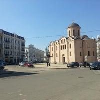 Снимок сделан в Контрактовая площадь пользователем Artemij 🐼 4/17/2013