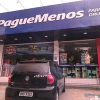 Photo taken at Farmacia Pague Menos by Ricardo Regis B. on 2/23/2018