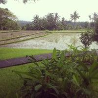 Photo taken at The Chedi Club at Tanah Gajah Bali by Shaun M. on 12/28/2012