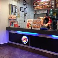 10/6/2012 tarihinde Apo C.ziyaretçi tarafından Burger King'de çekilen fotoğraf