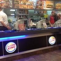 11/16/2012 tarihinde Apo C.ziyaretçi tarafından Burger King'de çekilen fotoğraf