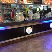 11/22/2012 tarihinde Apo C.ziyaretçi tarafından Burger King'de çekilen fotoğraf
