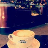 Photo taken at Caffè Nero by Abeer 🦋 on 4/15/2017