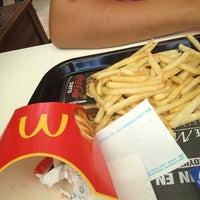 Foto diambil di McDonald's oleh Elvan K. pada 7/9/2013