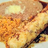 Foto tomada en La Parrilla Mexican Restaurant por Jordan P. el 5/4/2013