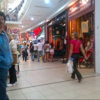 Foto tomada en Punta Shopping por Rosario C. el 1/21/2013