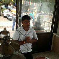 Photo taken at หัวไทร by Kanthapong P. on 10/15/2012