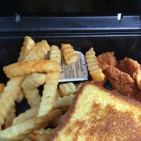 Photo taken at Zaxby's Chicken Fingers & Buffalo Wings by Sue K. on 9/11/2013