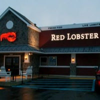 Photo taken at Red Lobster by Khalid A. on 7/15/2017