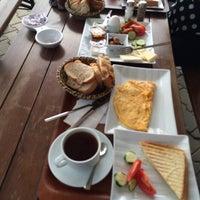 3/2/2014 tarihinde Ayhan G.ziyaretçi tarafından Cafe Sporcular'de çekilen fotoğraf