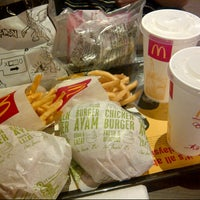 Photo taken at McDonald's by CBy 7.Tunez (. on 1/18/2013