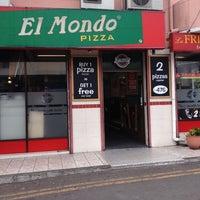 Photo prise au El Mondo Pizzeria par Josian D. le10/31/2012