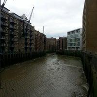 Foto tomada en Butler's Wharf por Patrick F. el 5/18/2013