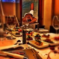 Das Foto wurde bei Mazza Restaurant von Ralph L. am 1/13/2014 aufgenommen