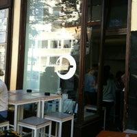 Das Foto wurde bei Kaffeefabrik von Alice L. am 10/6/2012 aufgenommen