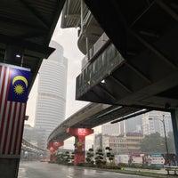 Photo taken at RapidKL Medan Tuanku (MR9) Monorail Station by Muhammad Y. on 9/10/2017