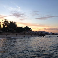 Photo taken at Hua Hin Beach by Prapat C. on 5/13/2013