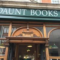 Foto tomada en Daunt Books por Julia K. el 7/10/2016