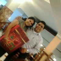 Photo taken at Restaurante La Muralla (Sucursal Jr. Junin) by Roberto S. on 12/22/2012