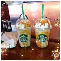 3/26/2013 tarihinde Yasemin Ö.ziyaretçi tarafından Starbucks'de çekilen fotoğraf