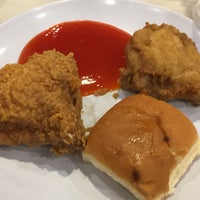 Photo taken at KFC Seri Iskandar by Muhammadqiqi A. on 4/19/2017