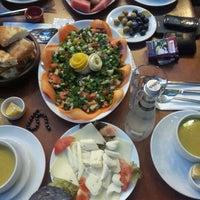 Photo taken at Yeşilyurt Kahve by Ahmet K. on 7/19/2014