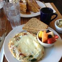 1/19/2013 tarihinde Steven L.ziyaretçi tarafından Sabrina's Cafe @ Powelton'de çekilen fotoğraf