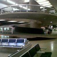 Photo taken at Aeroporto Internacional de Confins / Tancredo Neves (CNF) by Ana P. on 5/20/2013