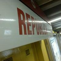 Foto tomada en Metro República por Alan P. el 10/15/2012