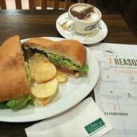 Photo taken at O'Briens Irish Sandwich Bar by Hou F. on 9/16/2016