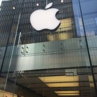 Photo taken at Apple Liverpool ONE by Sara on 7/19/2015