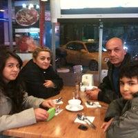 Photo taken at Kuzu Kuzu Kokoreç by Bulut ö. on 11/11/2012
