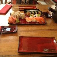 Снимок сделан в Oto Sushi пользователем Neslihan Y. 6/19/2013